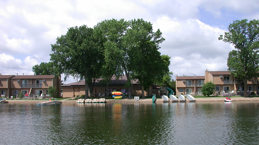 34 Resort from lake (2)